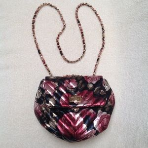 Steve Madden Floral Crossbody Gold Tone Chain